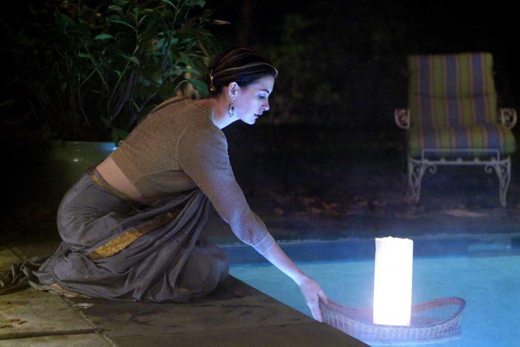 Anne Hathaway in Saree